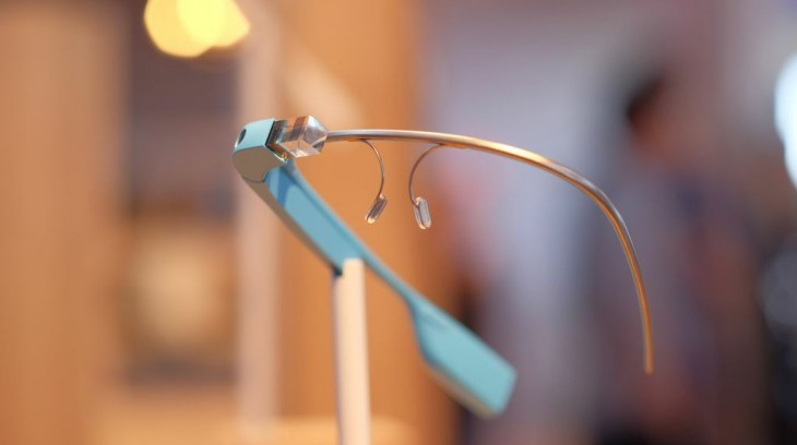 google glass blue e1400196318869 730x408 Heres what the new Google Glass apps from Foursquare, TripIt, OpenTable are like to use