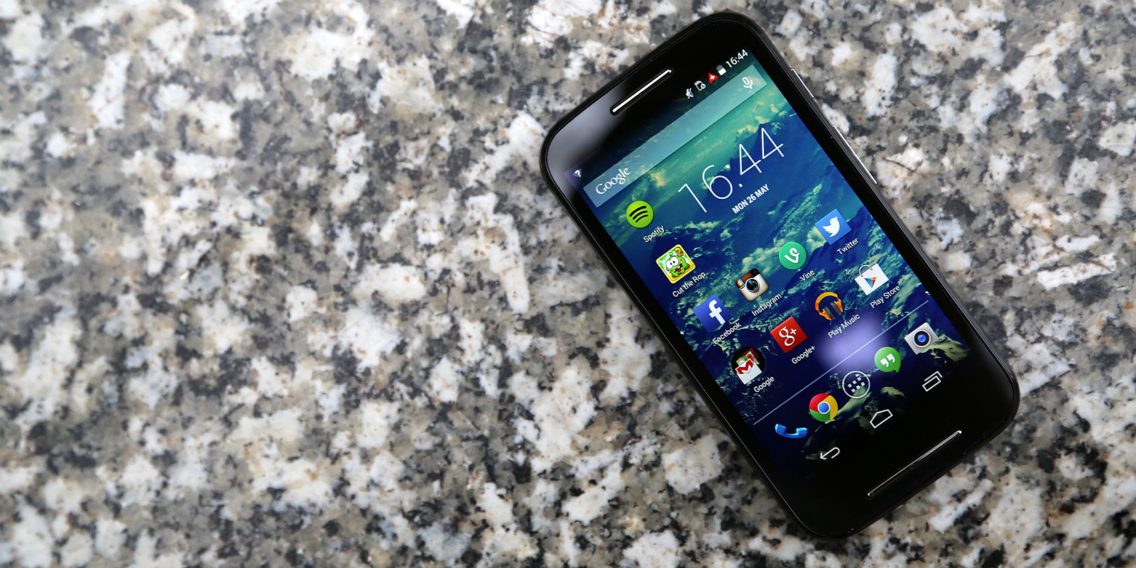 Moto E Review: A new Standard for Entry-Level Smartphones