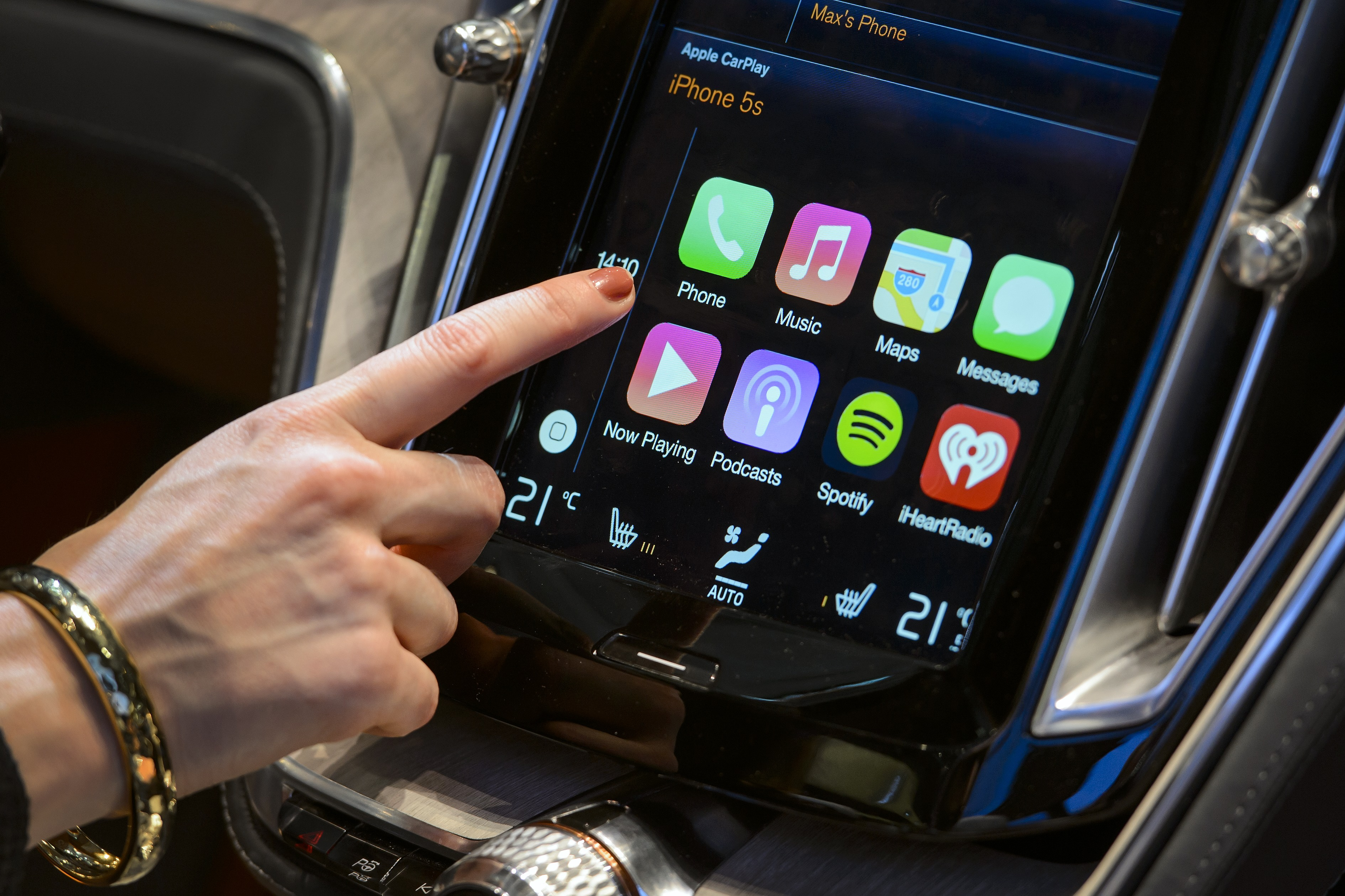 Apple Adds Audi, Chrysler, Dodge, and More to CarPlay