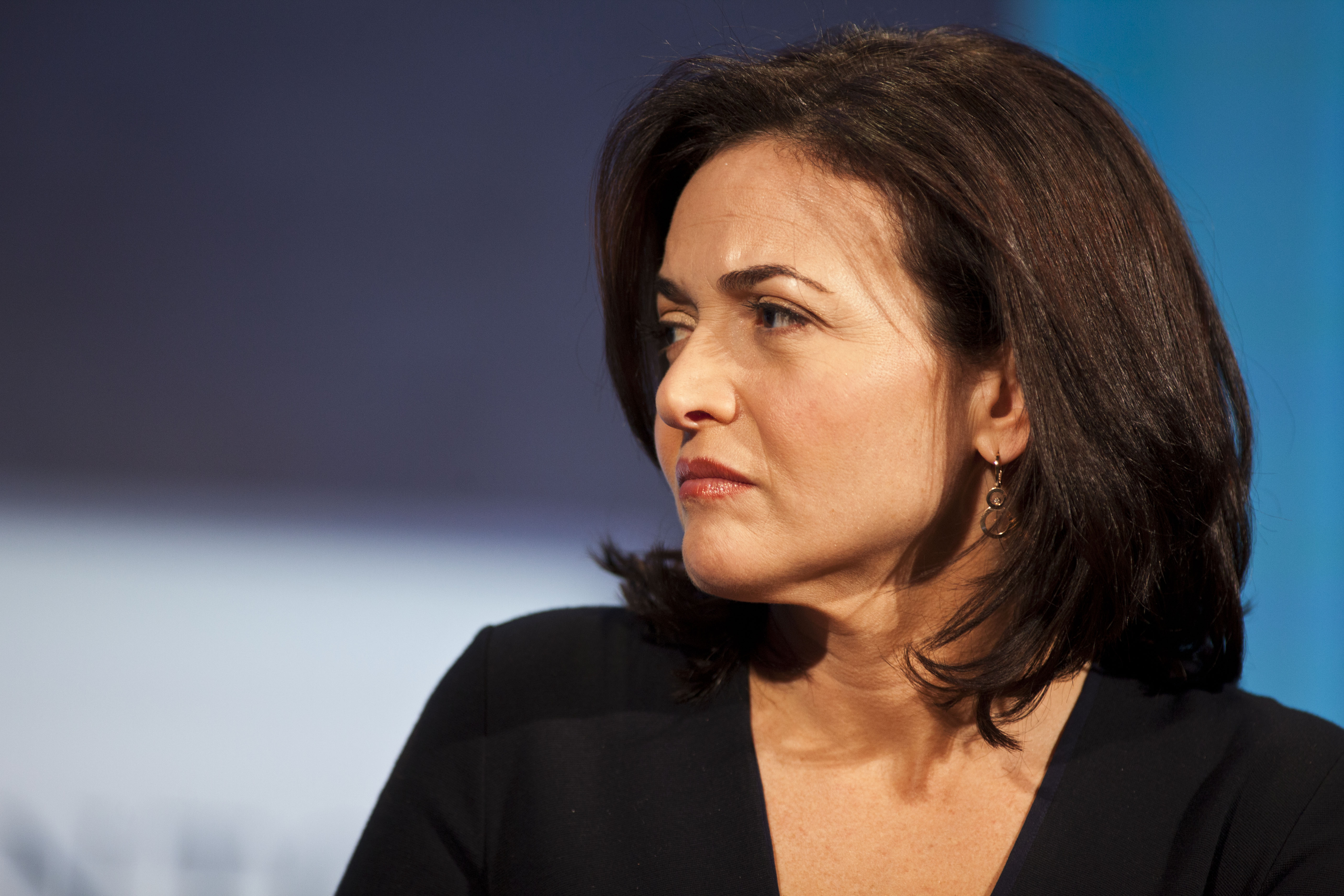 Facebook's COO Apologises for Psychological Experiments