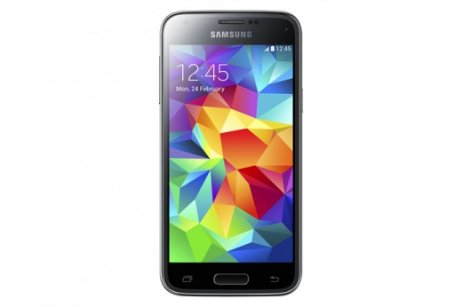 SM G800H GS5 mini Black 1 520x346 Samsung Galaxy S5 mini and Young 2 headed to the UK from August 7