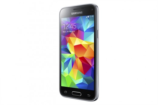 SM G800H GS5 mini Black 5 520x346 Samsung Galaxy S5 mini and Young 2 headed to the UK from August 7