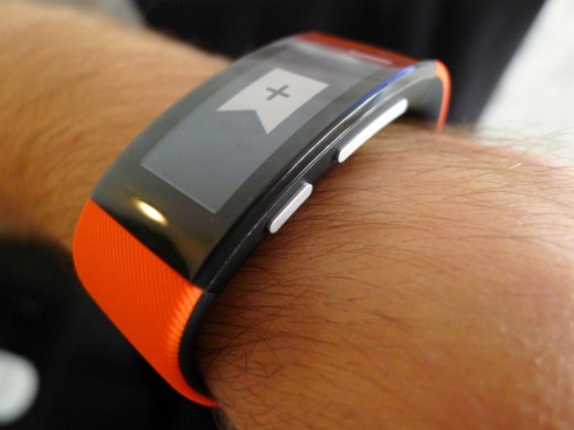 Band4 520x390 Sony's SmartBand Talk fitness tracker has a curved e ink display and built in mic for taking calls