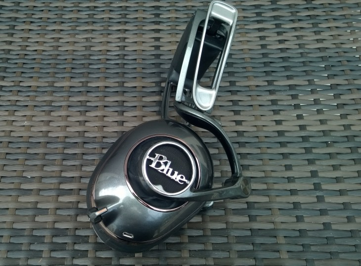 BlueMoFi side out 730x539 Review: Blues first ever $350 Mo Fi headphones are outstanding, but I'll be leaving them at home