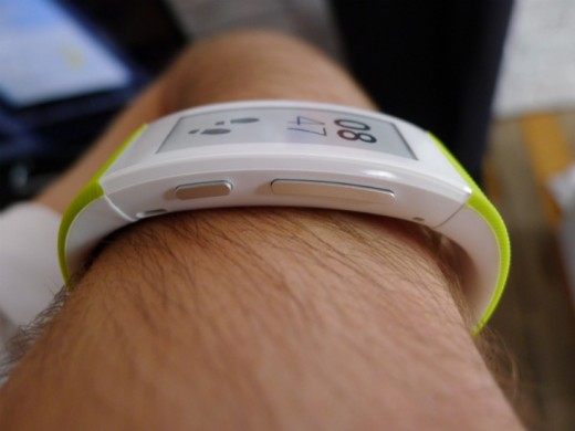 band8 520x390 Sony's SmartBand Talk fitness tracker has a curved e ink display and built in mic for taking calls