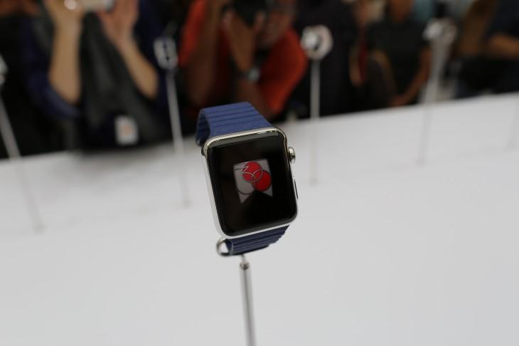 534A1538 730x486 Encouraging people to wear wearable technology