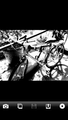 photo2 220x390 9 black and white mobile camera apps go mono a mono