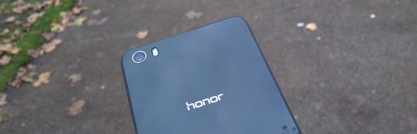 Honor 6 Review: a Smartphone That Delivers Specs, but Not Style