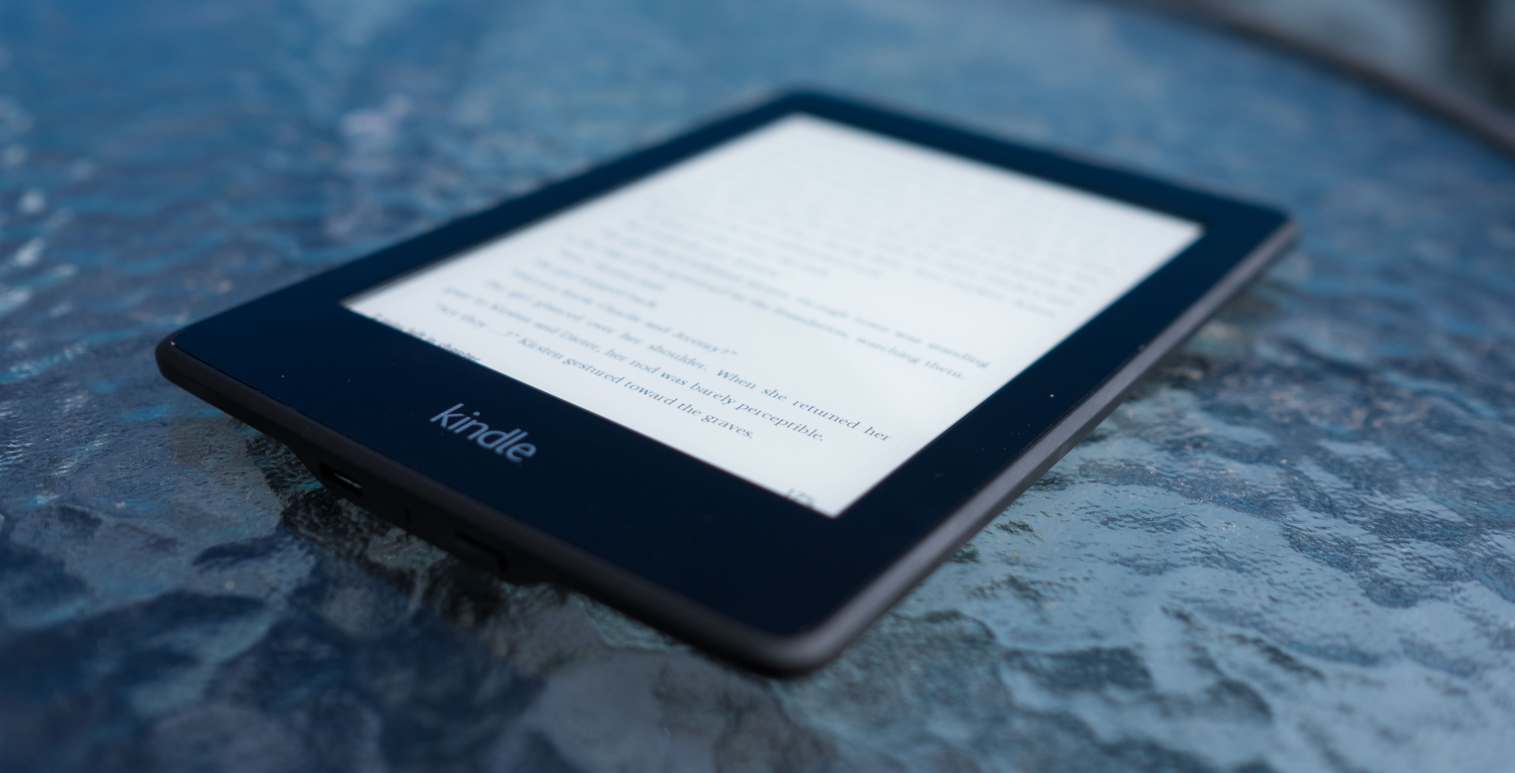 kindle2 Ideal gifts: Rekindle your love of reading with Kindle Paperwhite and The Circle by Dave Eggers