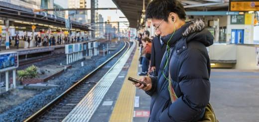 smartphone_commuter