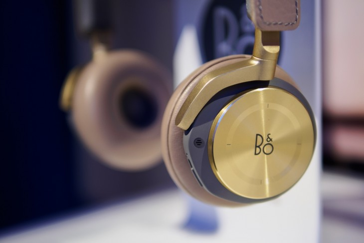 BO H8 2 730x487 #CES2015 Day 2: We got our hands, ears and eyes on any gadgets we could find