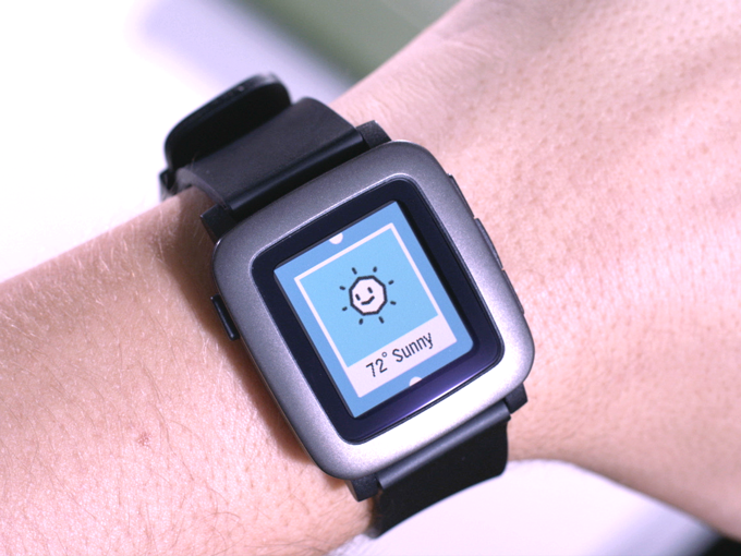 This Is How The New Pebble Should Be With A Color Screen