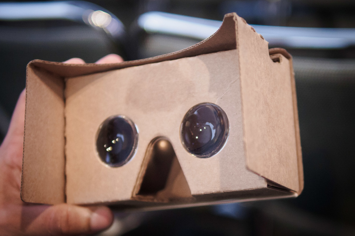 google 39 s new cardboard experiences convinced me vr is here to stay. Black Bedroom Furniture Sets. Home Design Ideas