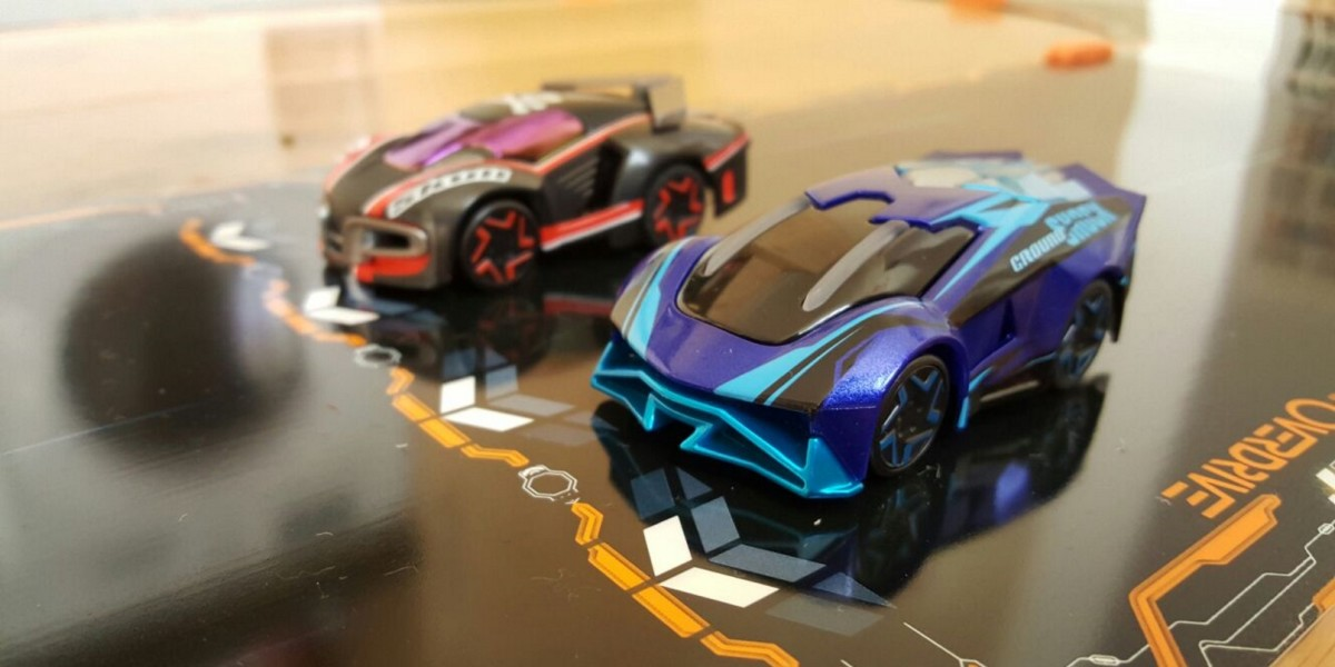 Magnetic Car Racing Game