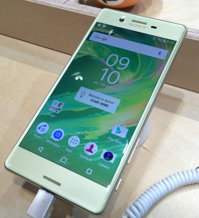 The Xperia X lineup is nicely sized at 5 inches
