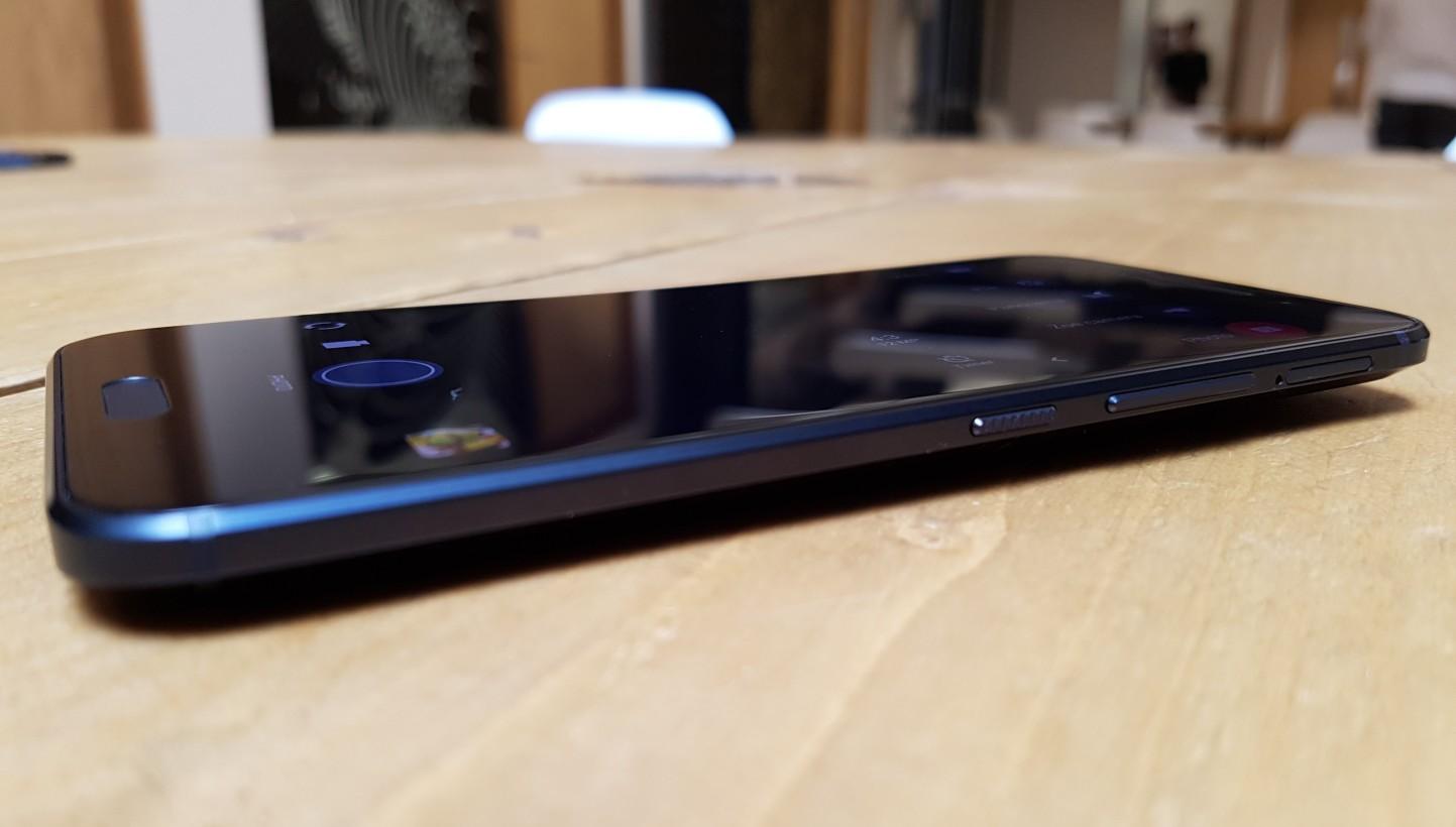 HTC10-side