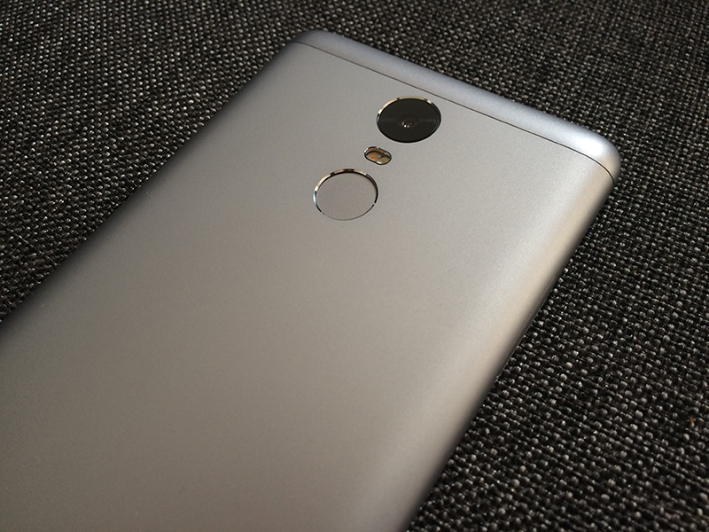 The Note 3's sandblasted aluminium finish is gorgeous