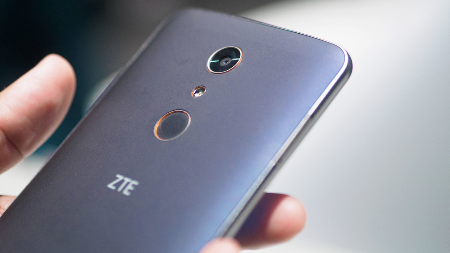 you zte zmax pro video Uno, however, only