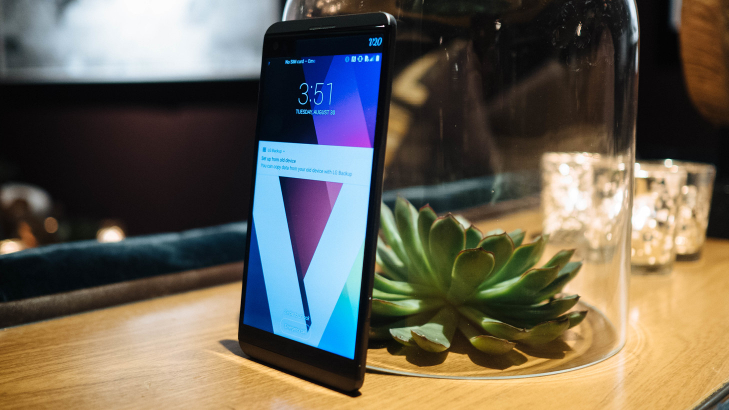 LG's V20 is a multimedia beast with a removable battery