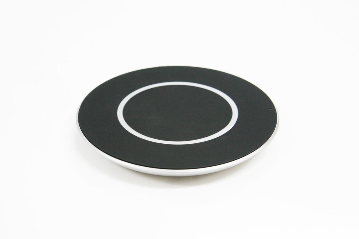 photo-2_lg-innoteks-wireless-charge-pad