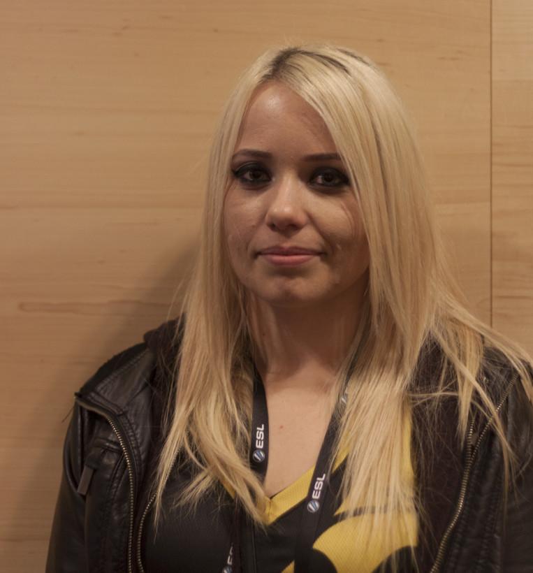"Emmalee ""emuhleet"" Garrido from Team Dignitas"
